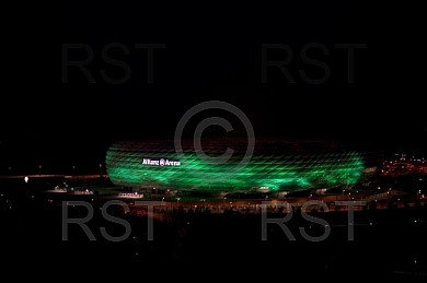 GER, Allianz Arena in Gruen zum St. Patrick s Day