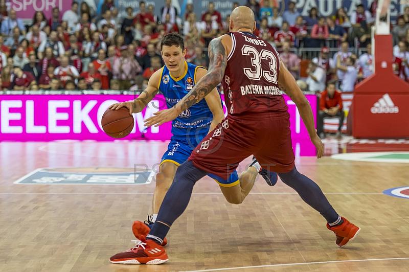 GER, BBL, FC Bayern Muenchen vs. Basketball Loewen Braunschweig