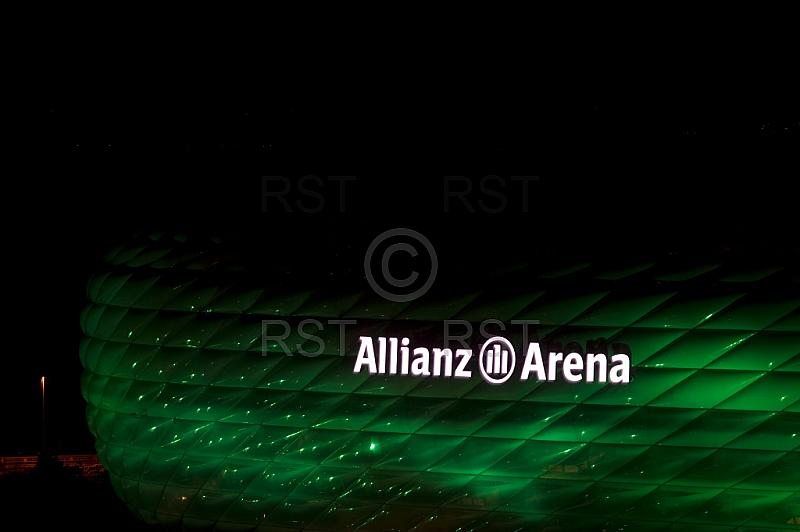 GER, Allianz Arena in Gruen zum St. Patrick s Day