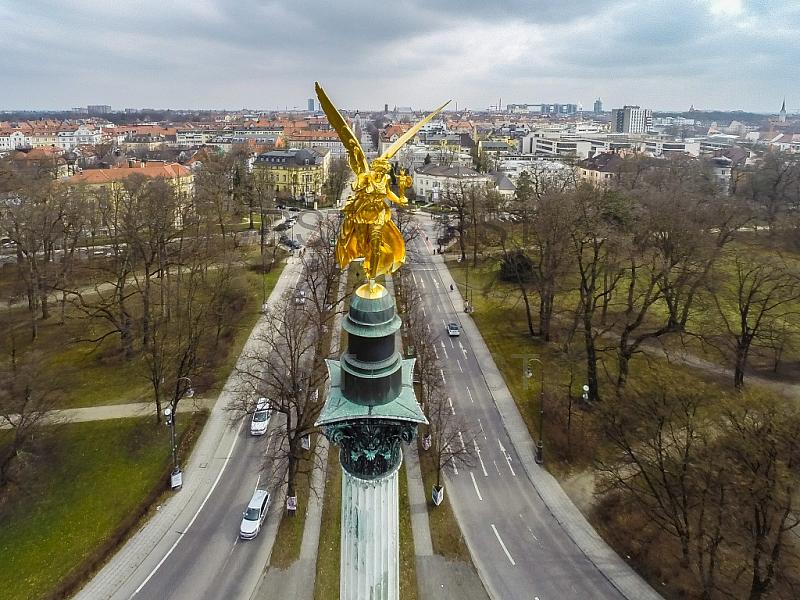 GER, Feature Luftbilder am Muenchner Friedensengel