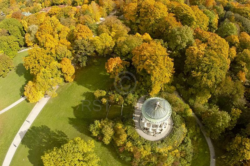 GER, Feature Luftbilder zum Indian Summer im Englischen Garten